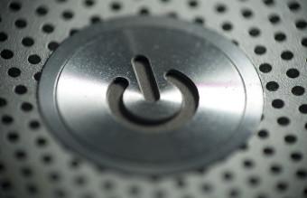 Macbook_Pro_Power_Button_-_Macro_(5477920228)
