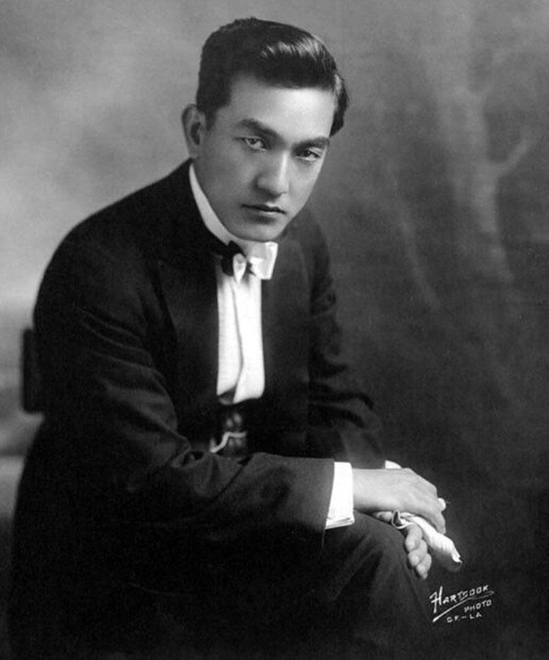 Sessue_Hayakawa_1918_(Fred_Hartsook)