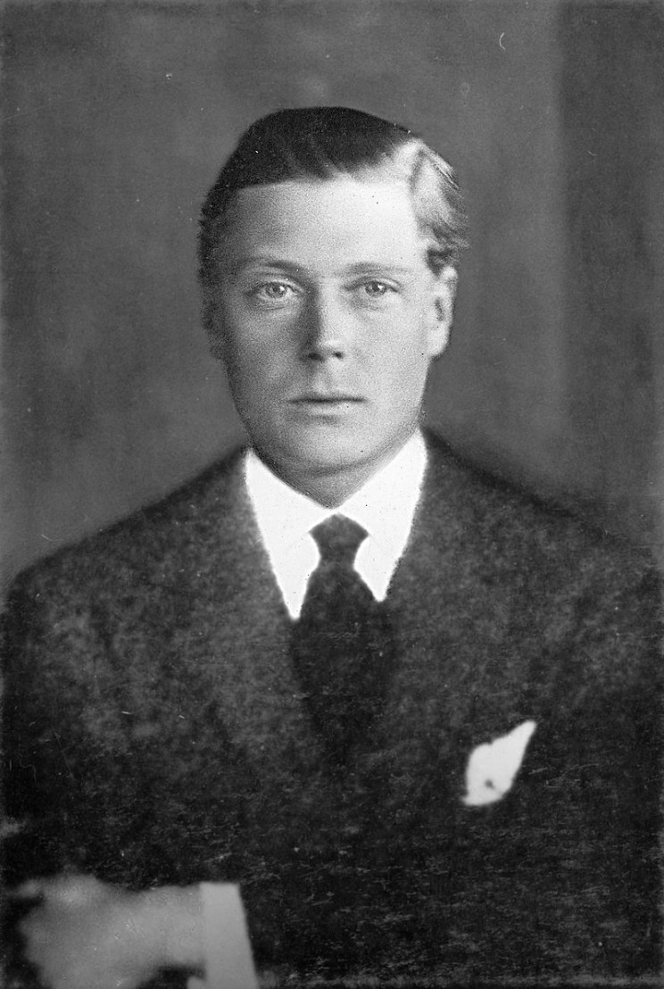 800px-Prince-Edward-Duke-of-Windsor-King-Edward-VIII_(retouched)