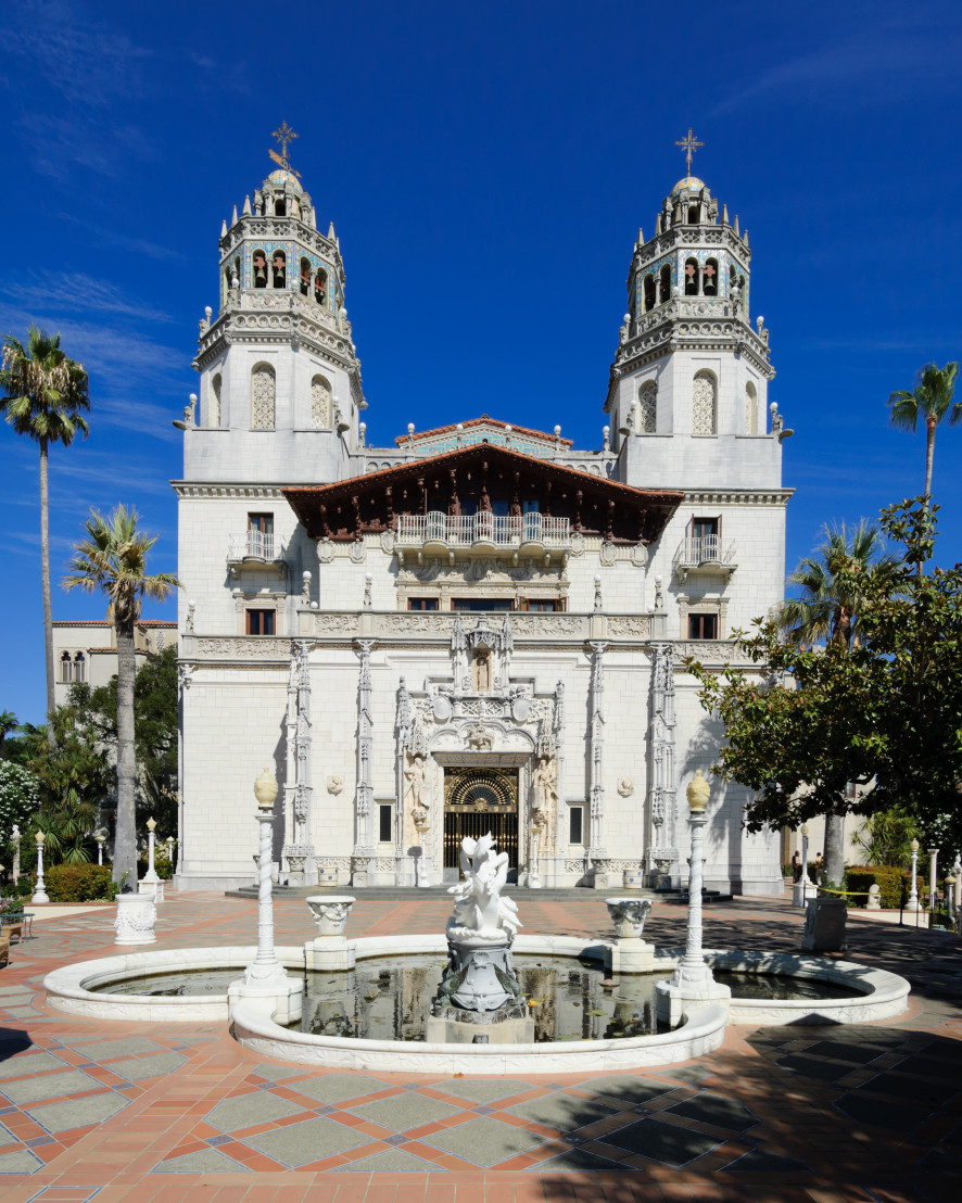 Hearst_Castle_Casa_Grande_September_2012_panorama_2