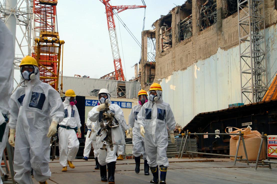 IAEA_Experts_at_Fukushima_(02813336)