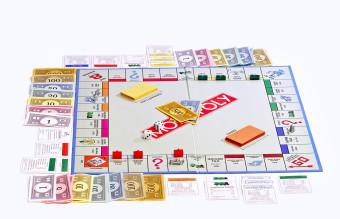 Monopoly_board_on_white_bg