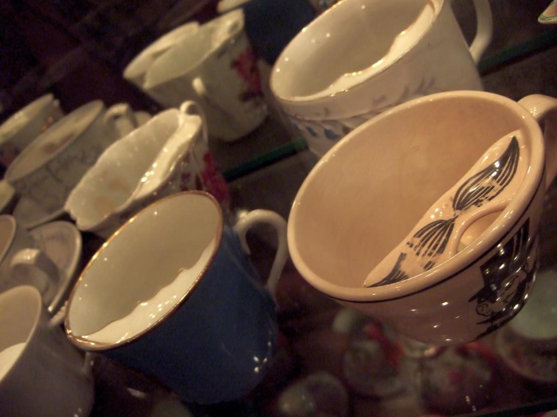 Moustache_cup_Tea_museum