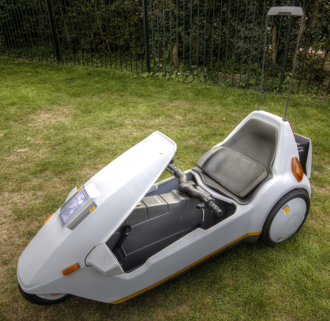 Sinclair_C5_with_high_vis_mast