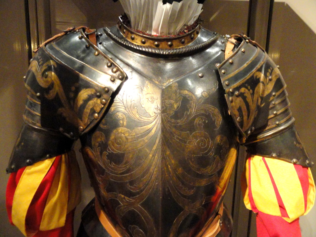 Armor_for_Papal_Guard_member,_north_Italy,_1570-1590_-_Higgins_Armory_Museum_-_DSC05662