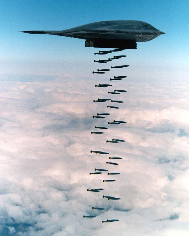 B-2_Spirit_bombing,_1994