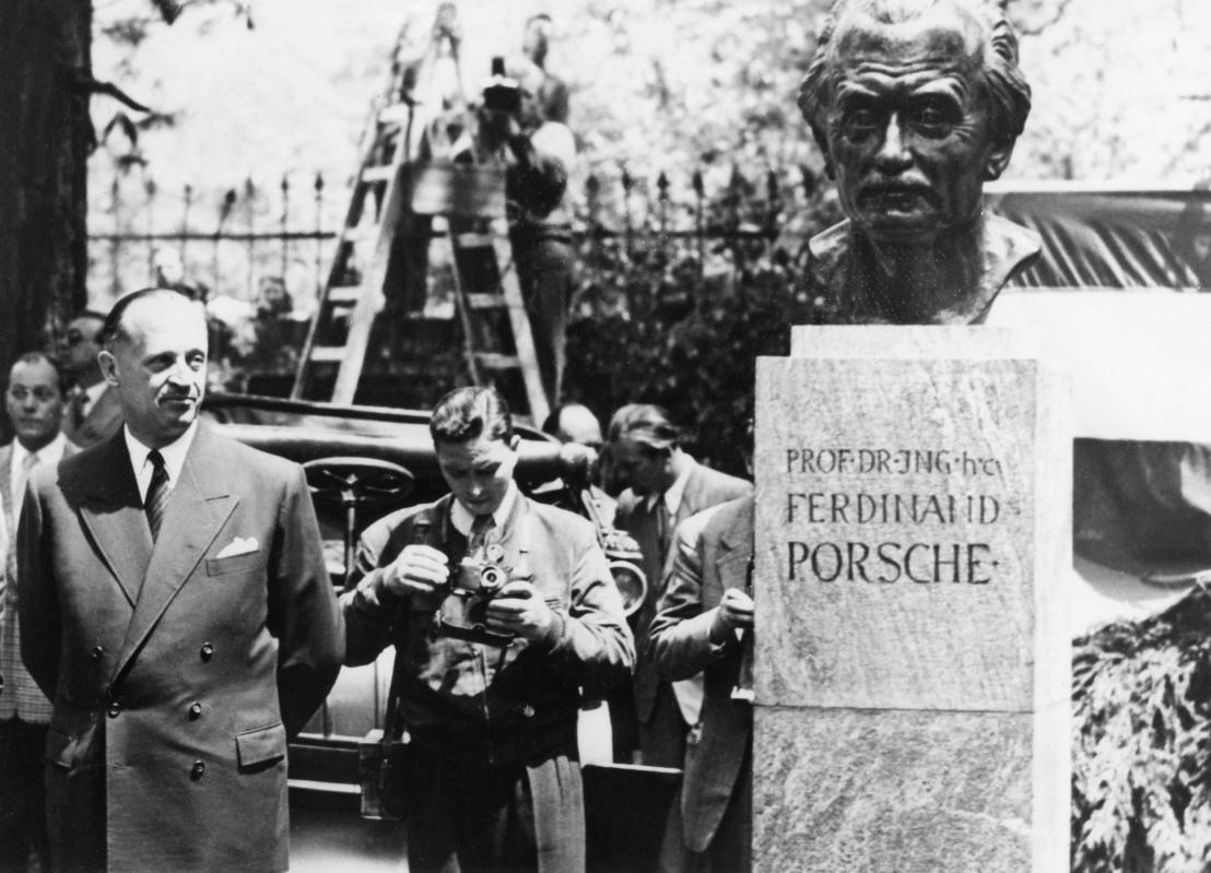 Ferdinand Porsche - Denkmal