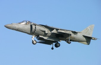 United_States_Marine_Corps_AV-8B_Harrier_II_hovering