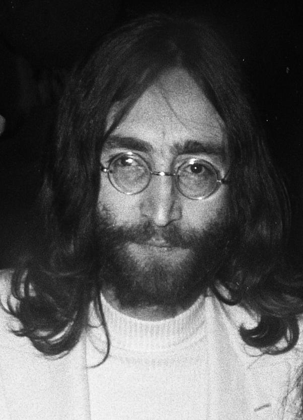 John_Lennon_1969_(cropped)