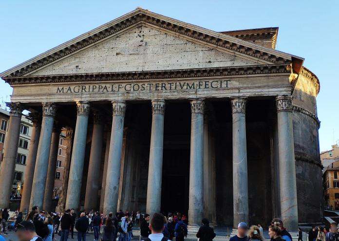 Fachada_del_Panteón_de_Roma