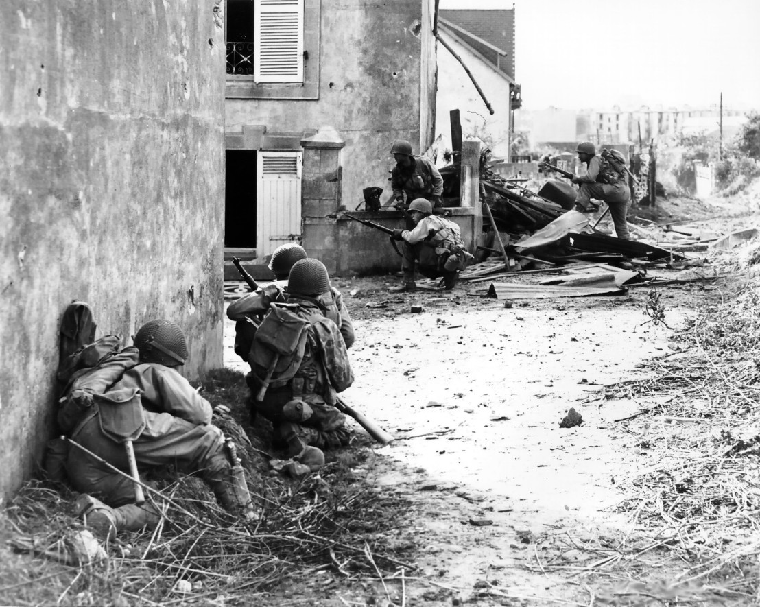 Battle_of_Brittany_-_Brest_02