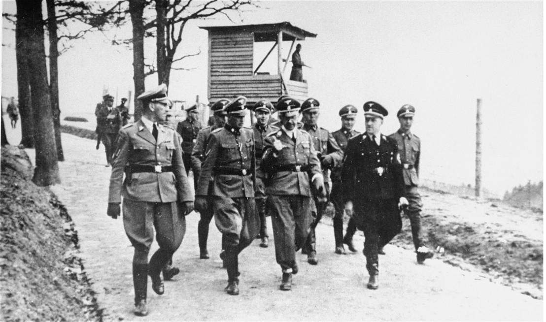 Bundesarchiv_Bild_183-45534-0005,_Kz_Mauthausen,_Besuch_Heinrich_Himmler,_Franz_Ziereis