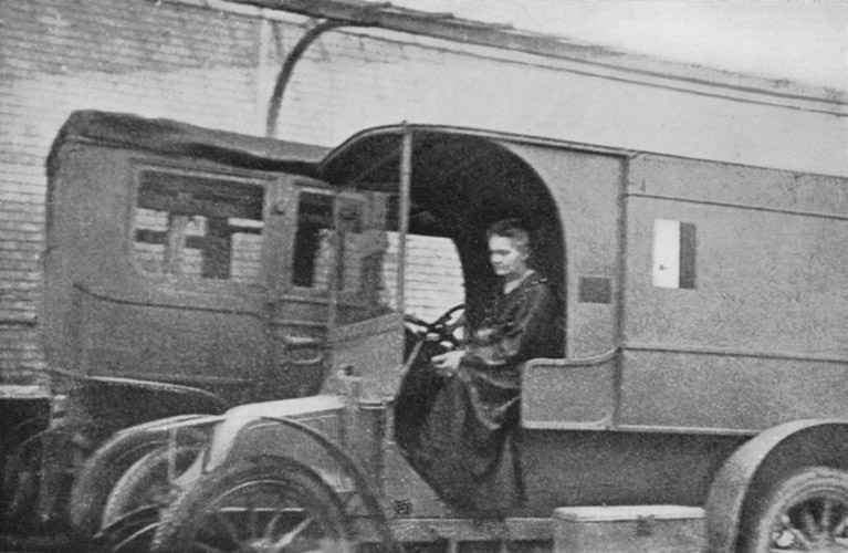 Marie_Curie_-_Mobile_X-Ray-Unit