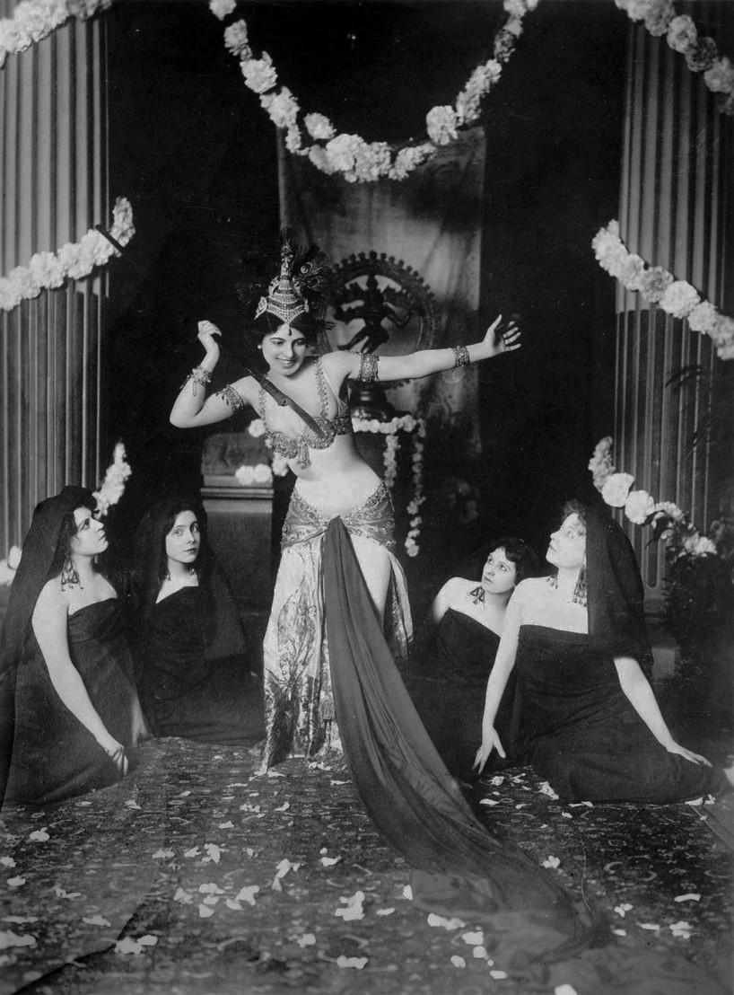 Mata Hari dancing in the Musée Guimet (1905)