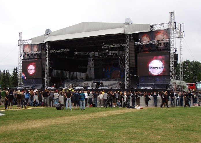 1280px-Sonisphere_Main_Stage