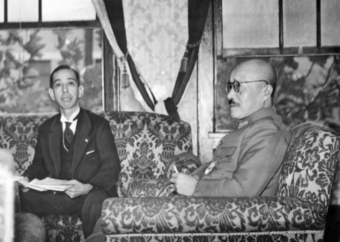 Hideki_Tōjō_and_Nobusuke_Kishi_in_1943