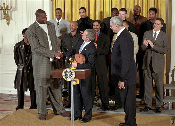 Shaq_at_the_white_house