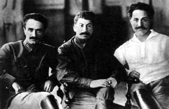 Ordzhonikidze,_Stalin_and_Mikoyan,_1925