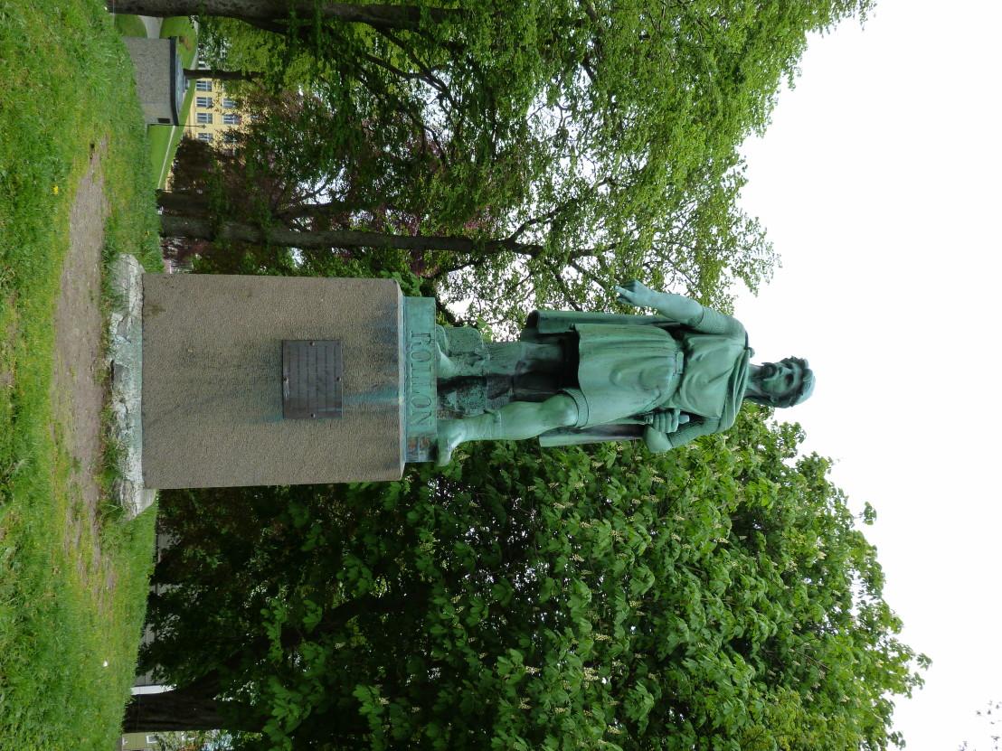 Statue_of_Rollo_in_Ålesund,_Norway