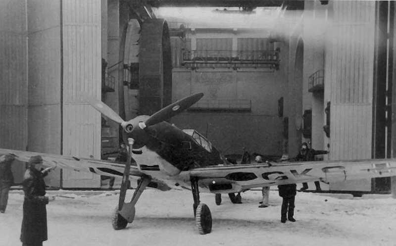 Me109E3-(D-IGKS)-Later-(WL-IGKS)-Wind-Tunnel-Test-Hermann-Goering-Aviation-Research-Institute-Braunschweig-Germany-1940-02f-s