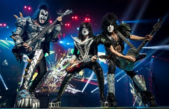 1024px-Kiss-live-at-allphones-arena-070