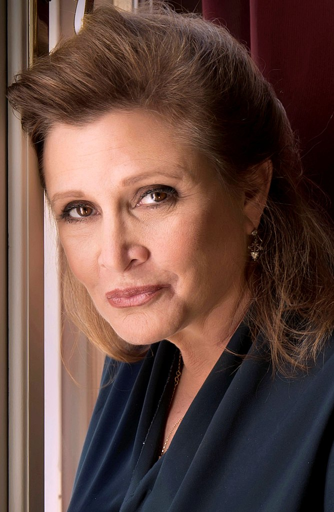 668px-Carrie_Fisher_2013-a_straightened
