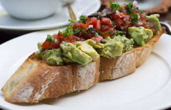 2014_avocado_salad_tomato_salsa_toasted_baguette