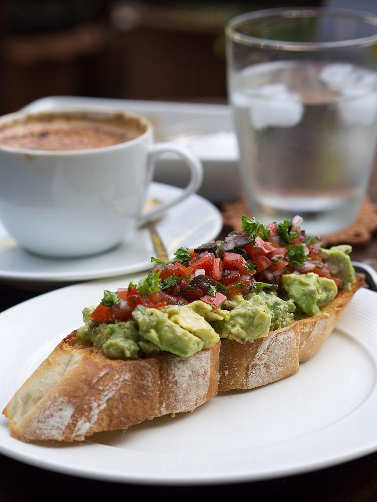 2014_avocado_salad_tomato_salsa_toasted_baguette