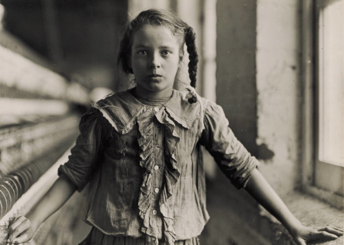 Hine,_Lewis,_Adolescent_Girl,_a_Spinner,_in_a_Carolina_Cotton_Mill,_1908