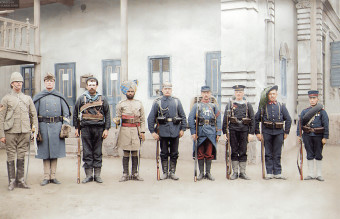 Troops_of_the_Eight-Nation_Alliance_(except_Russia)_that_fought_against_the_Boxer_Rebellion_in_China,_1900._From_the_left_Britain,_United_States,_Australia,_India,_Germany,_France,_Austri