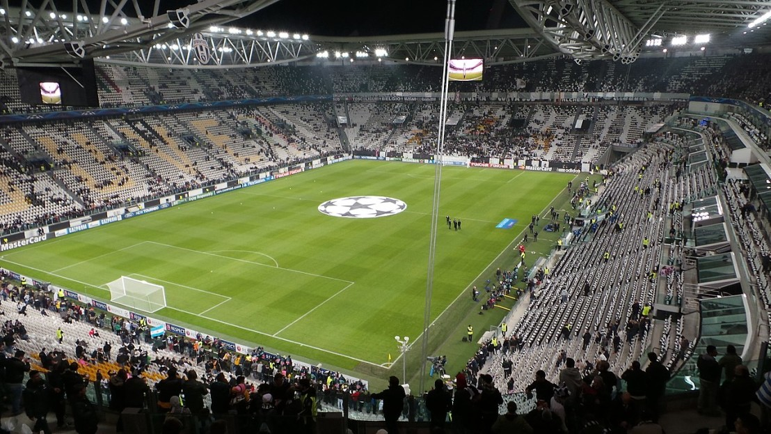 1280px-Juventus_v_Real_Madrid,_Champions_League,_Stadium,_Turin,_2013