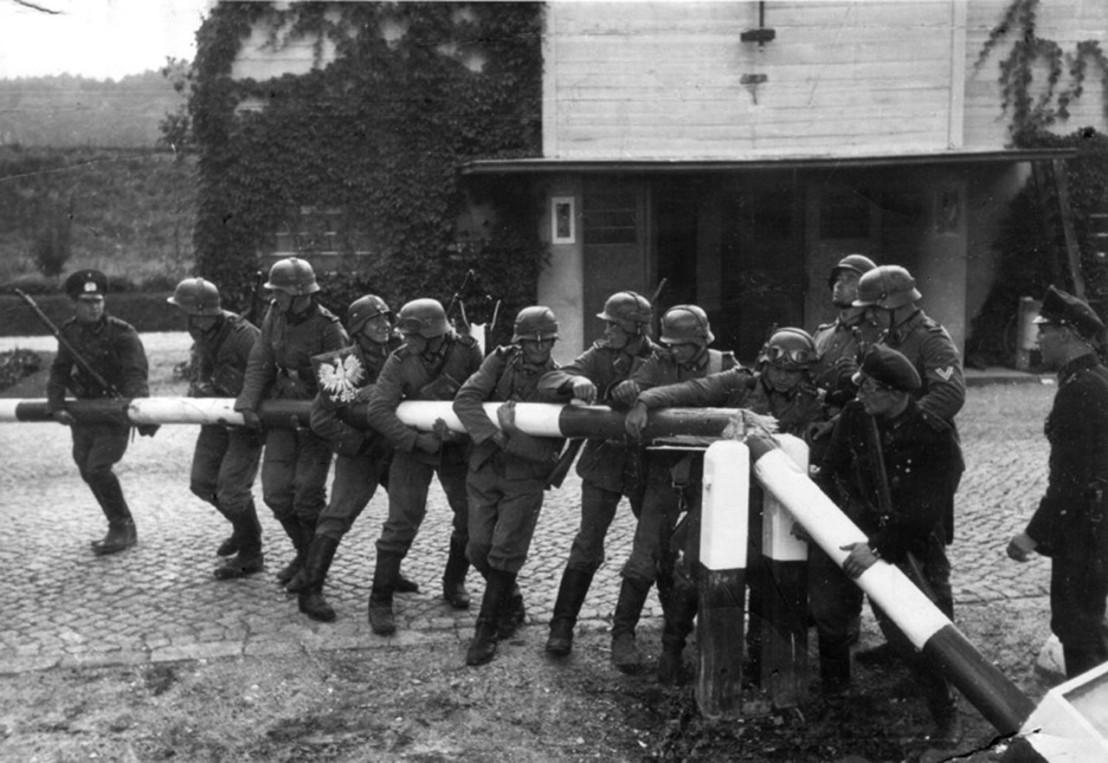 1280px-Danzig_Police_at_Polish_Border_(1939-09-01)