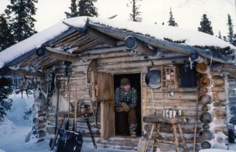 Richard_Proenneke_in_his_cabin