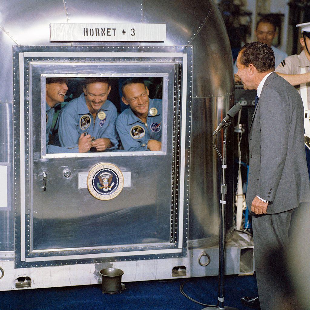 1024px-President_Nixon_welcomes_the_Apollo_11_astronauts_aboard_the_U.S.S._Hornet