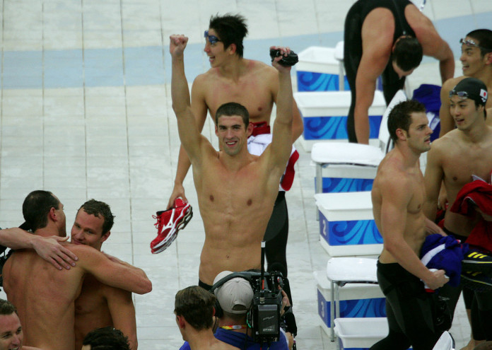 1280px-Michael_Phelps_wins_8th_gold_medal