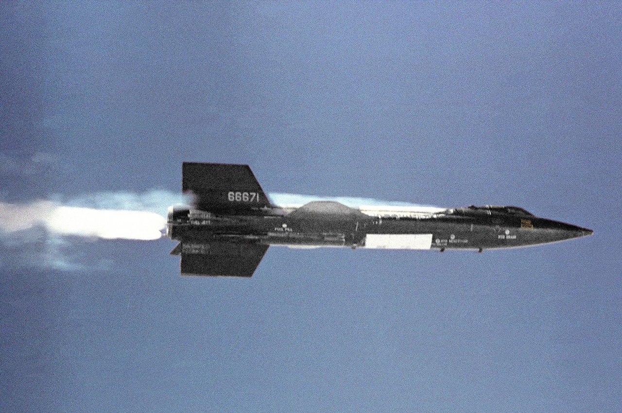 1280px-X-15_in_flight