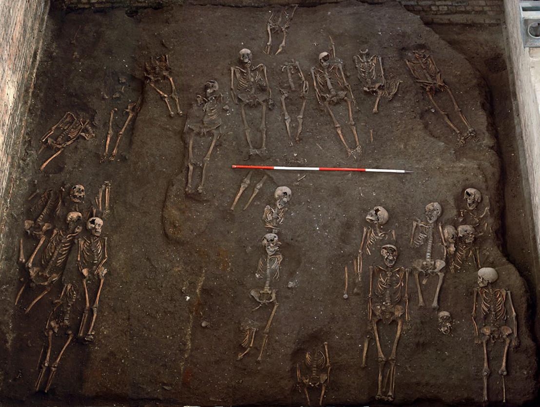 150401113309-cambridge-burial-area-2