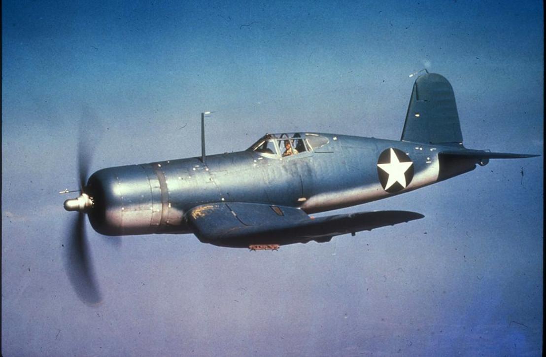 F4U-1_Corsair_in_flight_c1942