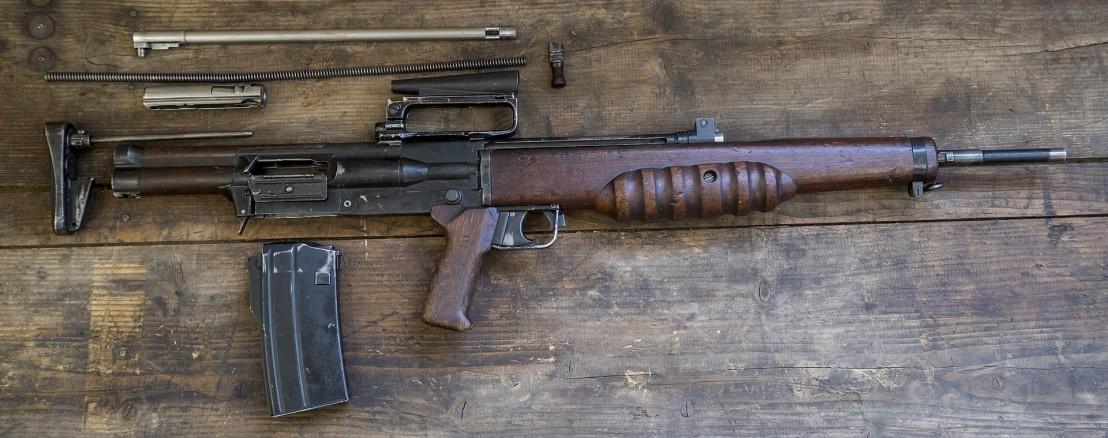 1920px-British_Assault_Rifles_MOD_45162602