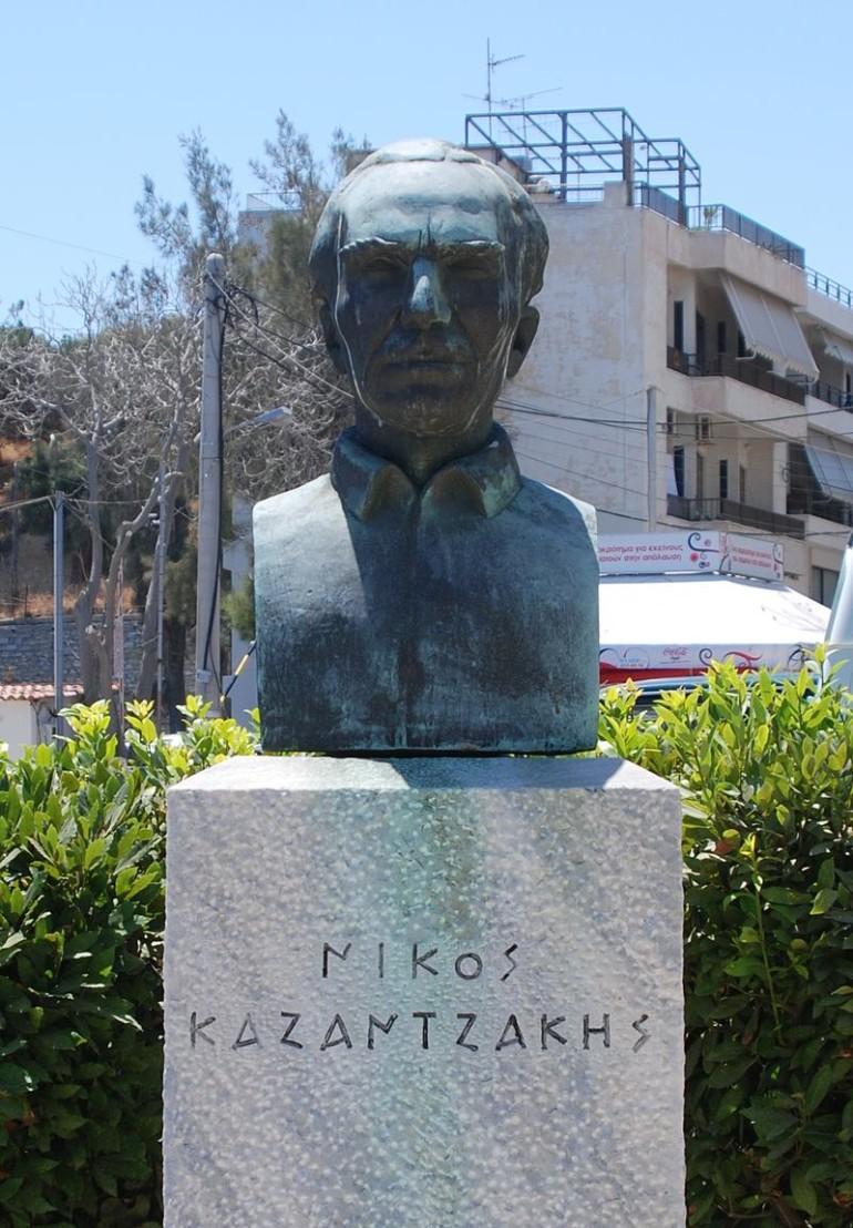 800px-Nikos_Kazantzakis_Statue_in_Heraklion