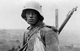 Bundesarchiv_Bild_183-R05148,_Westfront,_deutscher_Soldat_crop