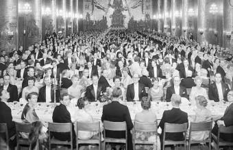 Nobel_banquet_1958