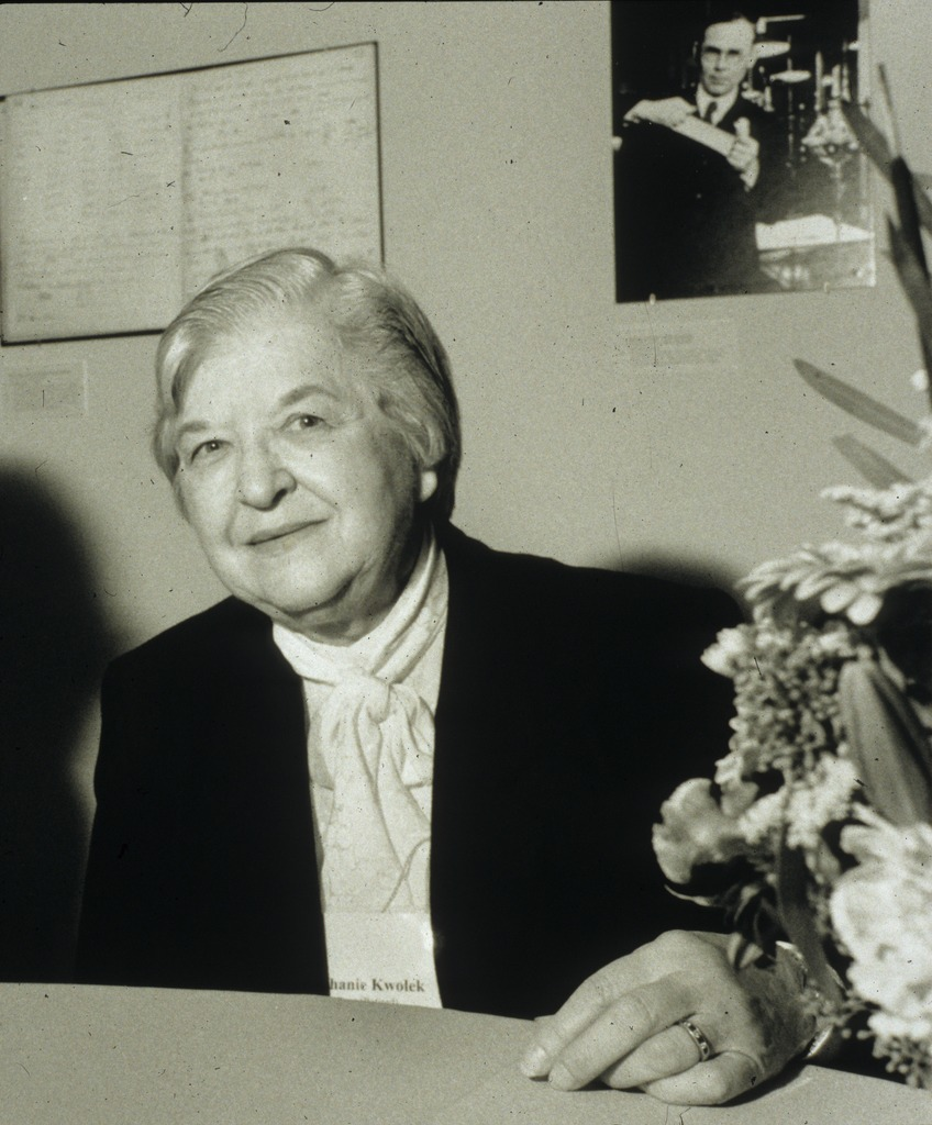 Stephanie_Kwolek_at_Spinning_Elements_by_Harry_Kalish.TIF
