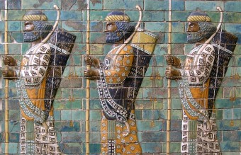 1024px-Persian_warriors_from_Berlin_Museum