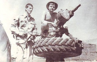 АГС-17_закреплённый_на_заднем_мосту_автомобиля_ГАЗ-66