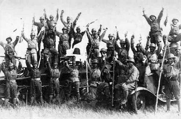 Battle_of_Khalkhin_Gol-Japanese_soldiers_and_captured_Soviet_AFVs