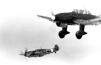 Bundesarchiv_Bild_101I-429-0646-31,_Messerschmitt_Me_109_und_Junkers_Ju_87