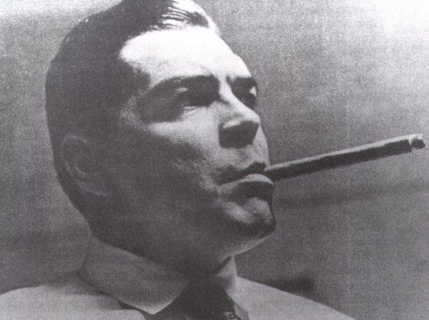 Che_Guevara_bajo_identidad_Adolfo_Mena_González_-_1966
