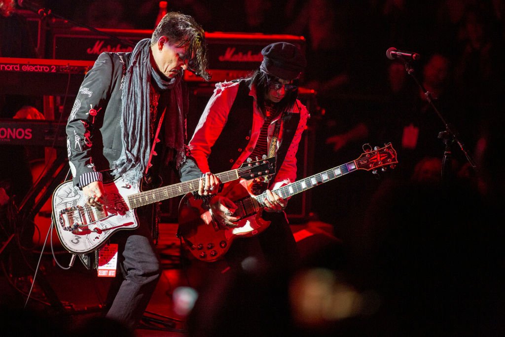 Alice Cooper's 17th Annual Christmas Pudding Show