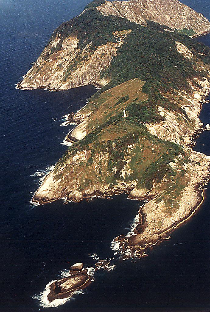 Ilha_da_Queimada_Grande_-_Itanhaém3